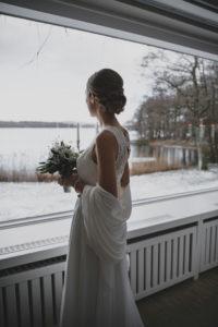 Braut im Trauzimmer des Seehotel Töpferhaus