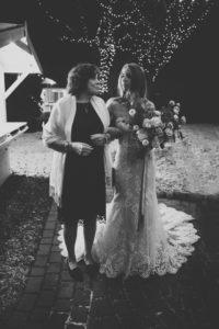 Braut und Brautmutter am Seehotel Töpferhaus