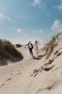Hochzeitsfotos in den Dünen Dänemarks