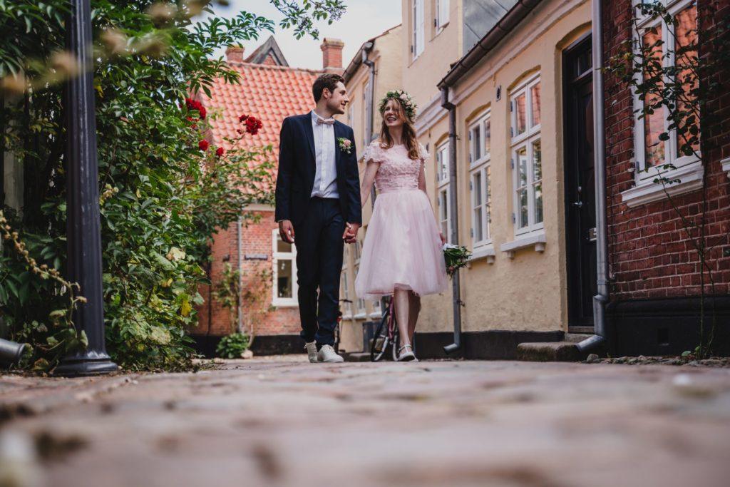 Brautpaar in Ribe, Dänemark